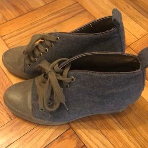 7 for all mankind grey green wedge shoes